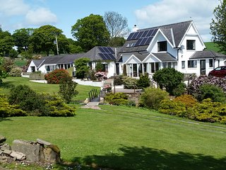 Denhead Cottage, Dundee  with free guest passes to local leisure resort