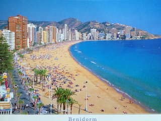 EXCELLENT !!!  APARTMENT  ON THE LEVANTE BEACH, Benidorm