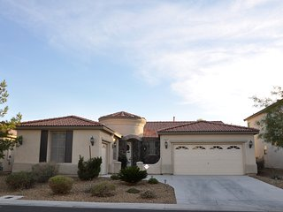 Las Vegas Villa 8 - 5 miles to South Strip & Airport, Spa