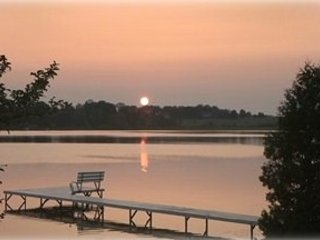 Book early for your relaxing lake vacation where memories are made!