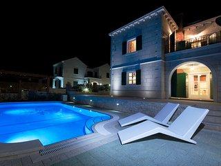 Villa Goran mit Pool, erleben Sie unvergesslichen Urlaub!! **Firstminute**