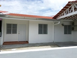 Newly refurbished & fully air-conditioned 2-bedroom house! And a sheltered car porch for 1 car