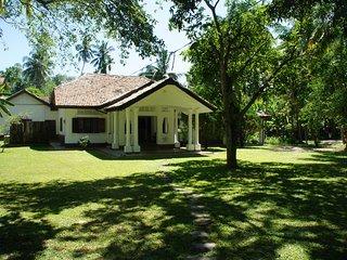 Villa Kathaluwa ( Room - Nelum ), Koggala