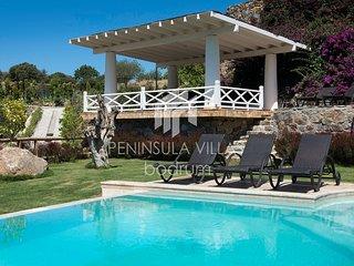 Karakaya Villa Gumusluk, Stunning 5 Bedrooms villa with Private Pool, Sea Views