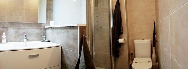 NEW !! Refurbished bathroom 1