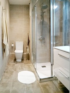 NEW !! Refurbished bathroom 2