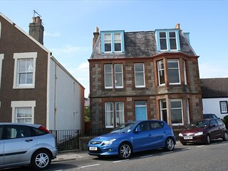 Linda Vista, 6 bedroom seaside holiday home in North Berwick