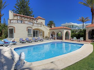 Elluxury Holiday Detached Villa with Swimming Pool in Elviria/Marbesa, Marbella