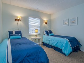 Updated ocean front condo with views of ocean, dunes and pool, Jacksonville Beach