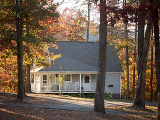 Storybrook Cottage | Perfect Romantic Getaway