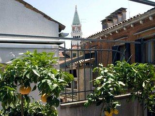 Grande casa con terrazzi in San Marco