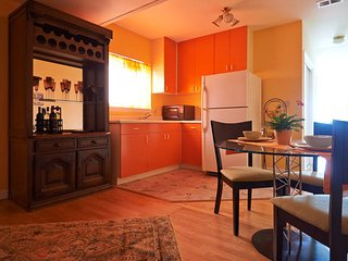 Spacious, charming one bedroom garden apartment !, San Francisco