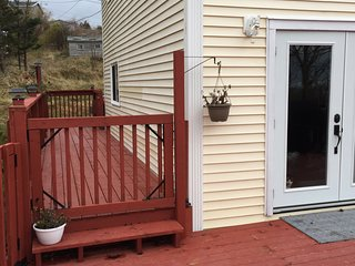 NEW LISTING, DISCOUNTED TO $50 DAILY UNTIL APR 30, Pouch Cove's escape to nature