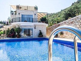 Mavna Villa