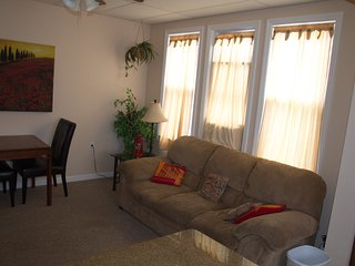 Sleeps 7. Book 3 days Minimum.Booking Senior week, Prom weekends,& Family Trips!, Ocean City