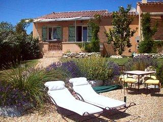 La Cigala : Villa de charme pouvant acceuillir 4 à 6 personnes, Saint-Saturnin-les-Apt
