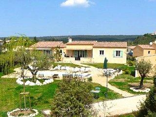 Lou-Cigalou: Cette villa se divise en 2 logements : « Lou Grihet & La Cigala », Saint-Saturnin-les-Apt