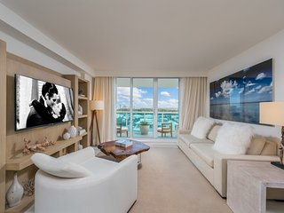 Luxurious 2/2 located at 5 Star Condo-Hotel South Beach - 1445