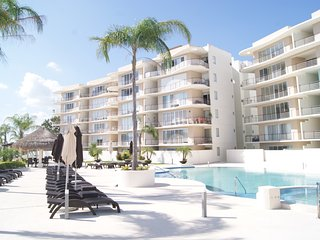 Cancun's New Luxury Two Bedroom - Poolside for Work & Play - TC202