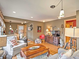 Charming 3BR Asheville Artists' Retreat w/ Views!
