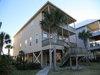 West Winds B ~ Spacious Waterfront Duplex with 2 Pools/ Fising Pier - FREE Wifi