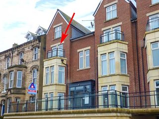 HARBOUR LODGE, two floor apartment, en-suite, underground parking, lovely views,