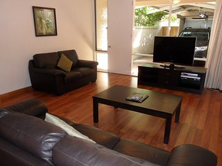 Adelaide Serviced Accommodation - Archer Townhouse