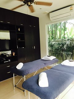 Private and with greenery, great for meditation , massage or yoga