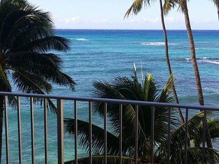 Waikiki Oceanfront Condo - 2 Bedroom / Magnificent Views
