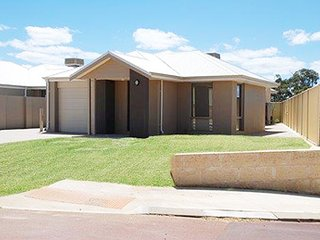 Mandurah Holiday Home - Mandurah
