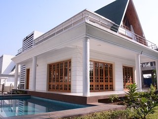 bungalow equipped all modern amenities holiday aapke liye provides 2 and 3 bhk individual bungalow.