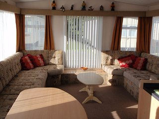Luxury 2 Bedroom Caravan, Nominale
