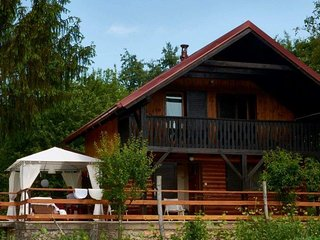 Wooden chalet by the river Kupa, Bosiljevo