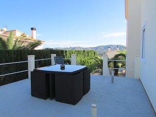 upper appartment of quiet villa with private entrance, pool, terraces, palmtrees, Gata de Gorgos