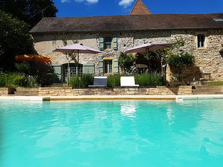Grange du Lac, exclusive gite with private pool & lake only 2mins from village, Cazals