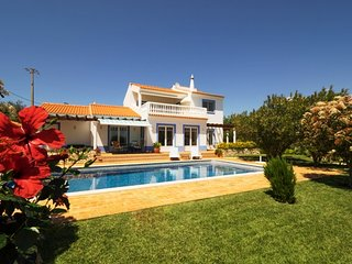 Exclusive holiday Villa with sea view and heated Pool