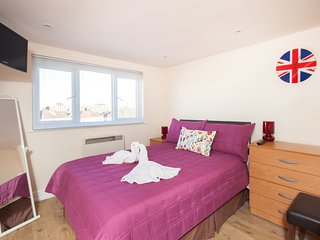 Harrow Self Catering Studio RP7
