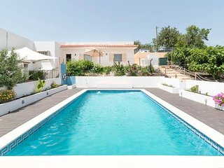 Countryside Villa with Pool near Albufeira