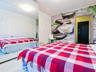 Современная светлая квартира на Херсонской