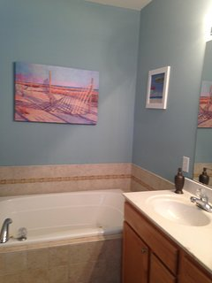 Master Bathroom with Double Vanity & Oversized Jacuzzi Tub