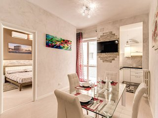 Lovely renovated flat very close to St. Peter, Rome