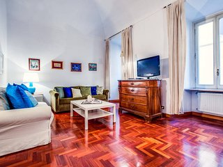 Well decorated flat with amazing central location!