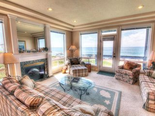 The Arbor House South Every Bedroom Has an Ocean Front View!, Yachats