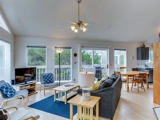 Elegant dog-friendly home on quiet dead-end street w/ocean views!