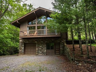 Fox Hill | 2 Bedroom Black Mountain Home with Great Room and Fireplace