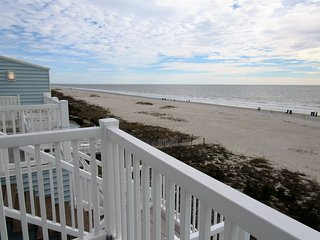 DIRECT OCEAN FRONT 4 BR 3 BA Condo- Pool/hot tub- walk to everything!