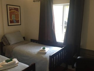 Private Room by the Beach + Rental Vehicle Deals