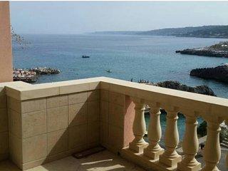 Casa sul mare ideale per famiglie o comitive...ampia e spaziosa per una vacanza