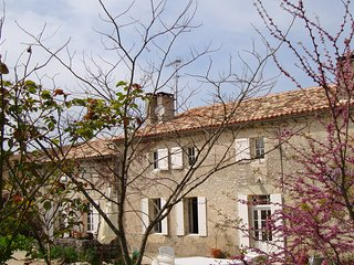 500 year old farmhouse in a small hamlet with a private pool & beautiful view, Margueron