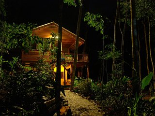 Toucan House Eco- Lodge in Belize, Benque Viejo del Carmen
